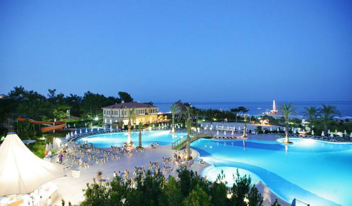 Queen's Park Resort Hotel2678