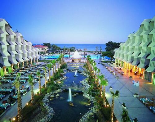 Queen's Park Resort Hotel2679
