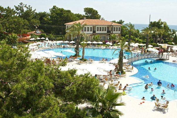 Queen's Park Resort Hotel2680