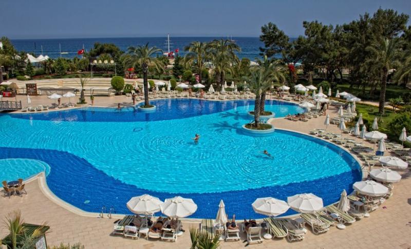 Queen's Park Resort Hotel2682