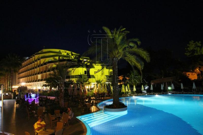 Queen's Park Resort Hotel2685