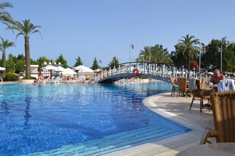 Queen's Park Resort Hotel2689