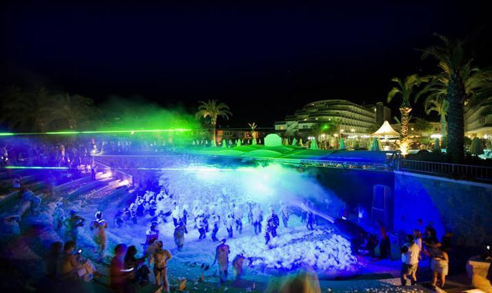 Queen's Park Resort Hotel2695
