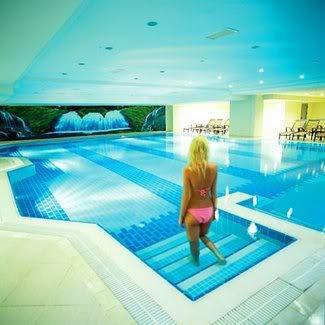 Queen's Park Resort Hotel2698