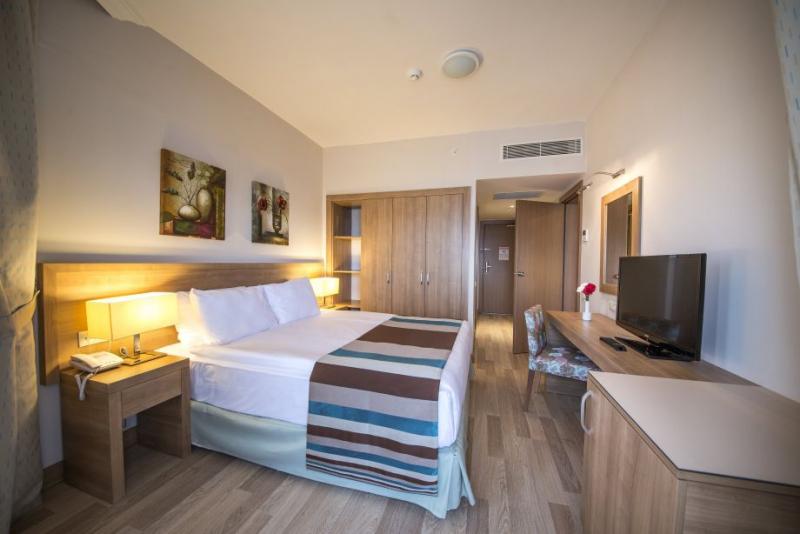 Ramada Resort Lara2977
