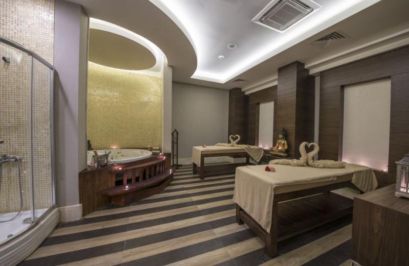 Ramada Resort Lara2989