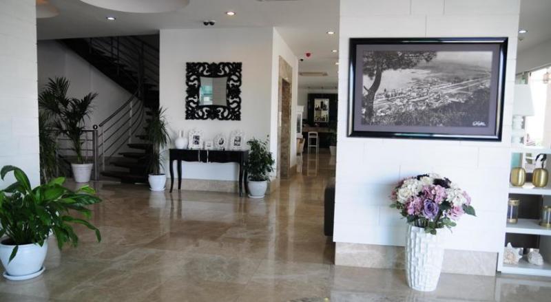 Alesta Yacht Hotel3210
