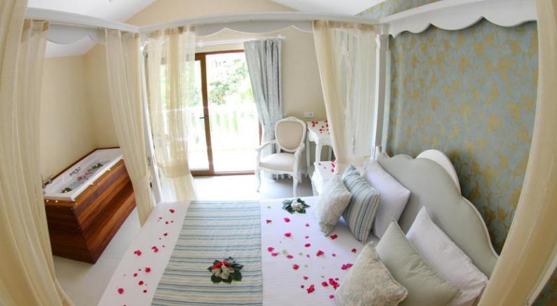 Flamingo Hotel3325