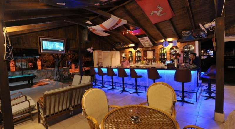 Belcehan Beach Hotel3412