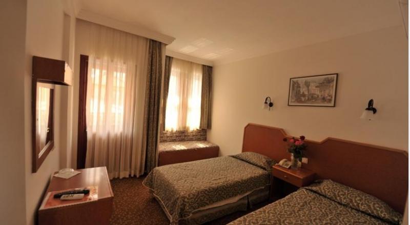 Belcehan Beach Hotel3413