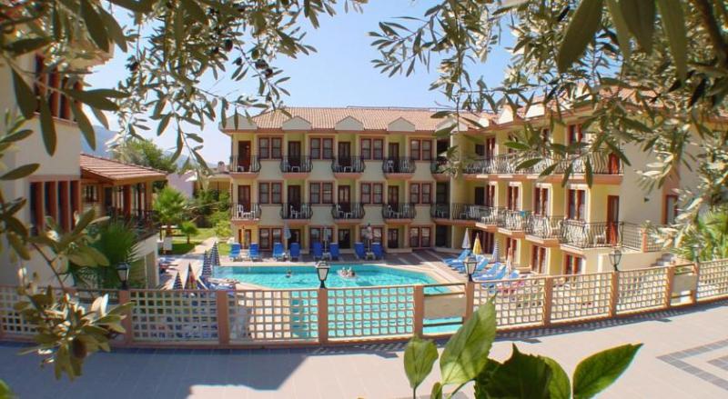 Belcehan Beach Hotel3419