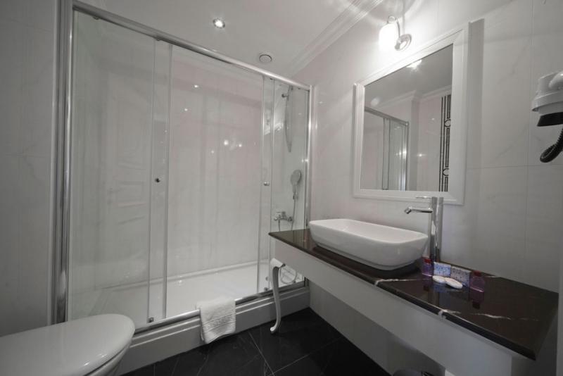 Aren Suites4499