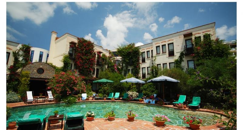 El Vino Hotel 5785
