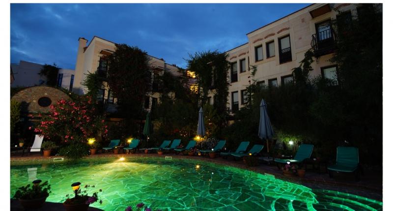 El Vino Hotel 5786