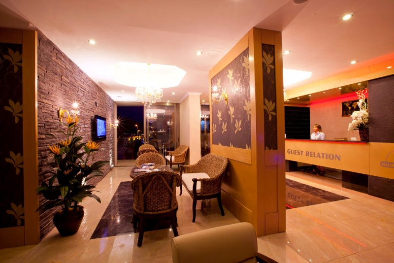 Malibu Beach Hotel6989