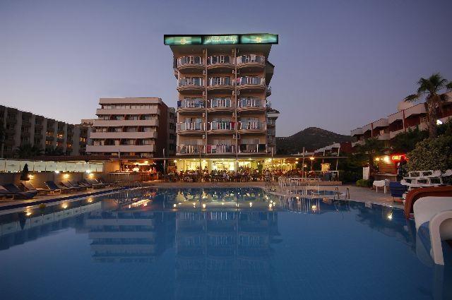 White City Beach Hotel8310