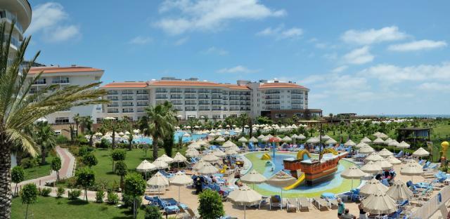 Sea World Resort & Spa8364