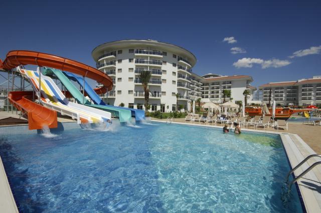 Sea World Resort & Spa8367