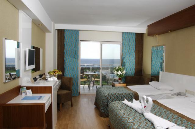 Sea World Resort & Spa8368