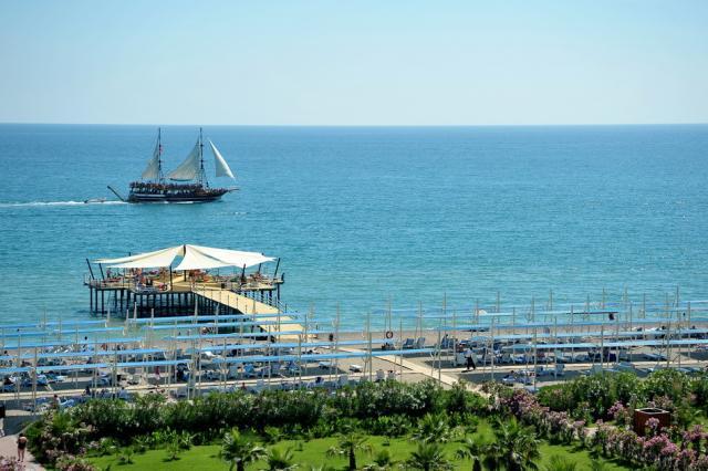 Sea World Resort & Spa8371
