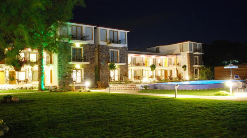 Cennet Park Hotel8494