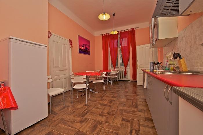 Sokolska Youth Hostel9318